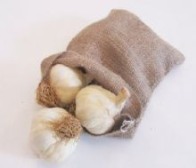 NEW Nutleys 20 x 14cm Hessian Drawstring Garlic Storage Bag